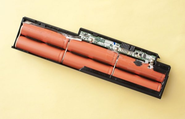 Pin 3 cell là gì? Laptop pin 3 cell có thời lượng bao lâu? - Fptshop.com.vn