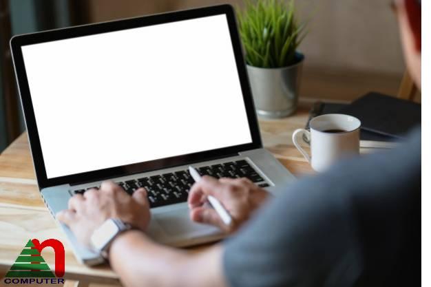 Cấu hình laptop quyết định giá thành và chất lượng máy